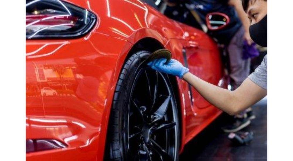 ¿Está puliendo demasiado la pintura de su automóvil?